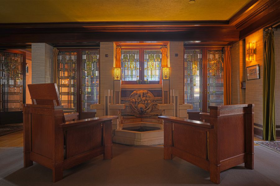 Oak Park is home to the world's largest collection of buildings designed by Frank Lloyd Wright. Join us on this tour to view the exteriors of a rich selection of Wright's structures, including Prairie style .
